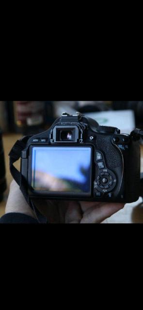 Canon EOS 600D Общее число пикселей18.7 млн Число эффективных пикселей18 млн Тип матрицыCMOS Физический размер матрицы22.3 х 14.9 мм Кроп-фактор1.6 Максимальное разрешение фотоснимка5184x3456 Объектив Canon EF-S 55-250mm f/4-5.6 IS  штатив для фотоаппарата Hama Star Black 153-3D в подарок идет еще один обьектив efs 55-250mm (чехол и карта памяти в комплекте)