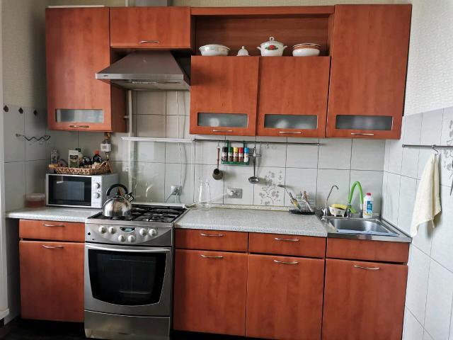 Продаю газовую плиту с электрической духовкой фирмы Gorenje + кухонный гарнитур. Всё в хорошем состоянии! Просмотр в любое время!