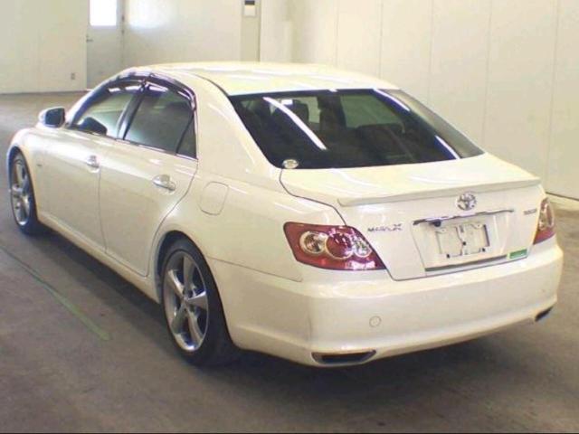 Спойлер на крышку багажника Марк х. 120 куз.2004-2009г. Идёт под покраску или плёнку Материал ППУ. Установка на стекольный герметик или двусторонний скотч.