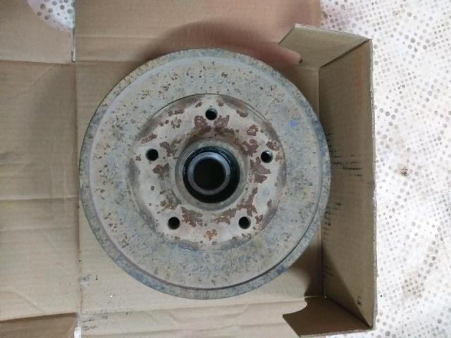 Барабан тормозной на renault рено duster дастер 2012 г.в. передний привод двиг 2 л F4R. В придачу отдам б/у колодки. Под расточку.