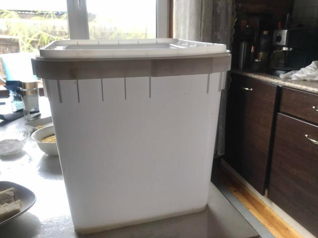 Продаём куботейнеры с крышкой, 30 л., б/у использовали под мёд, для хранение продуктов, цена 350 рб., оптом от 5 шт. 300 рб, 89142666488