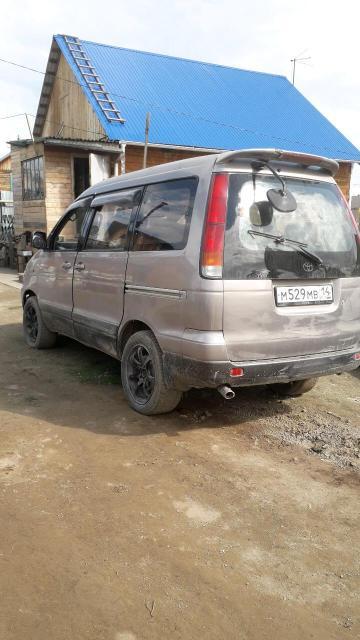 Toyota Noah 1997