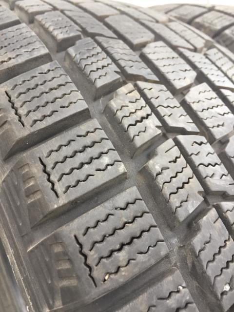 Продаю пару контрактной японской резины 215/65/16 Dunlop, остаток более 90%, резина без грыж порезов и латок, без пробега по РФ, состояние отличное! БЕЗ ТОРГА И ОБМЕНА!