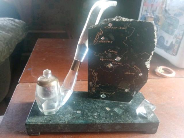 Продаю статуэтку в виде алмазных трубок Якутии подробнее по телефону 89142341034