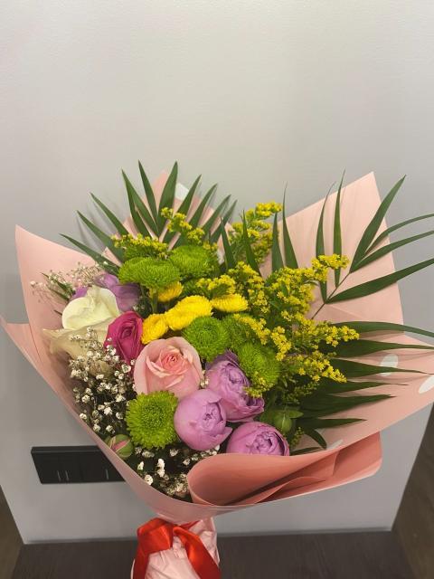 Продам букет цветов за 500 руб.
