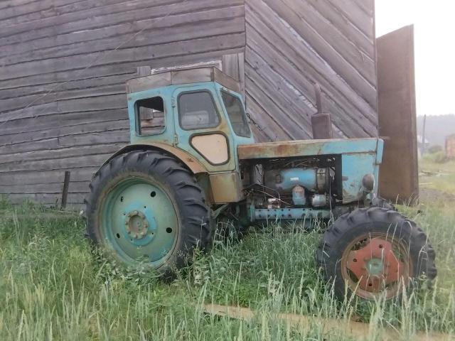 Трактор Т-40 4х4,хорошем состоянии, без АКБ,с документами,+косилка скоростная. Трактор  находится в заречии.