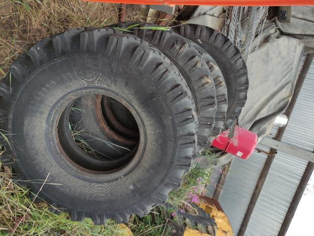 Продаю ураловские колеса под обдирку, состояния нормальное у одного есть порез 4-5 см. Предлагайте свои цены, модель ОИ-25