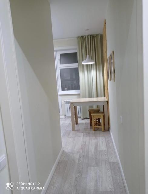 Сдам квартиру на краткосрочный срок ( от трёх дней). Квартира чистая, полностью обставлена мебелью. Рядом с Медцентром