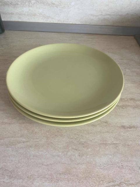 Тарелки Икея, оливковый цвет, 4шт за 250р. Возможна Доставка в районе центра.