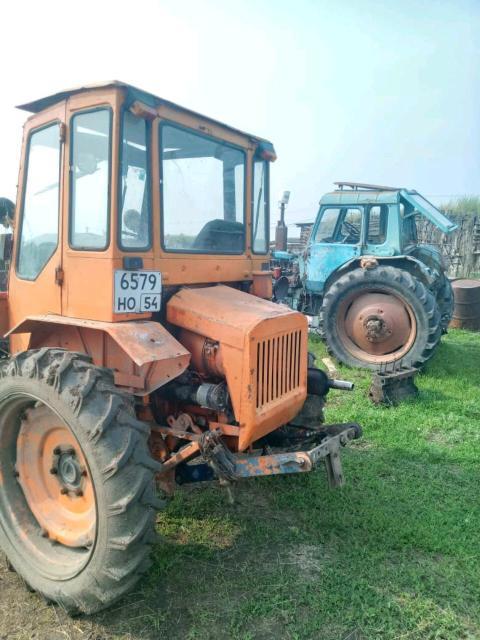 Шасси трактордары атыылыыбын, кэннигэр көтөҕөр навескалаах туруга олох үчүгэй 420 т Чурапчыга баар. Иккис трактор сүүрүүтэ кыра 400т аҕыйах күнүнэн кэлэр. Т89679276295, 89142804062