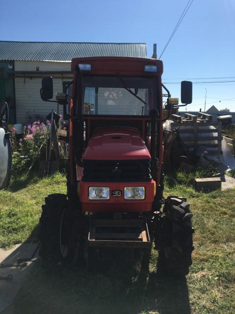 Продаю трактор Донгфин с косилкой, в отличном состоянии, практически не использовался, за 490 т.р., торг, ватсап 89142733635