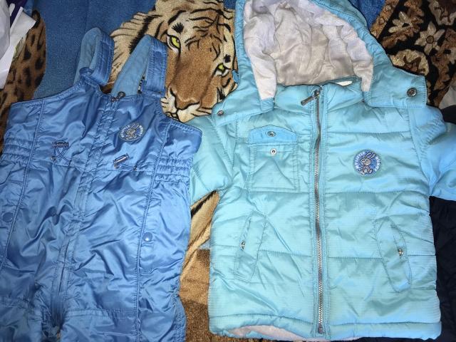 Демисезонные куртка и комбинезон фирмы Sela, размер на год, полтора. В отличном состоянии.
