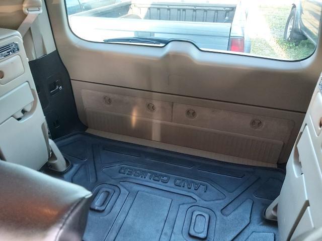 Toyota Land Cruiser 200 2008 год  Б/П ПО РС(Я) ПТС ОРИГИНАЛ   Машина полностью ухожена, в отличном состоянии Сигналка PANDORA автозапуск через приложение. Кнопка СТАРТ 4-Зонный климат контроль, подогрев всех сидений. Имеется Камера заднего вида, датчик дождя, датчик света, датчик обогрева лобового стекла и стекол заднего вида, автозатемнение зеркал, люк. Салон чистый, ухоженный, кожаные чехлы, сиденья отличном состоянии. Круиз-контроль, Электропривод зеркал, Бортовой компьютер, Усилитель руля, Регулировка руля по вылету, Регулировка руля по высоте РЕАЛЬНОМУ ПОКУПАТЕЛЮ ХОРОШИЙ ТОРГ! АВТООБМЕН НЕ ПРЕДЛАГАТЬ.