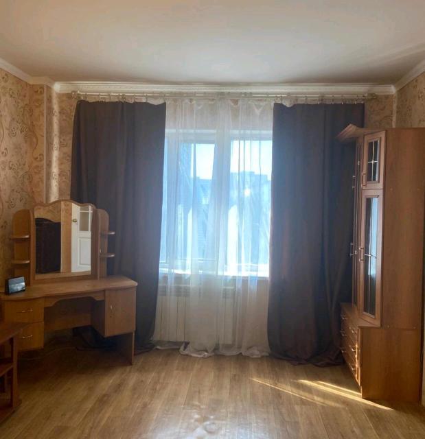 Уютная однокомнатная квартира по ул Каландаришвили 7 Имеется все необходимое для комфортного проживания. Стиральная автомат, тв плазма, ттк, вай фай Чистое белье, полотенца, средства гигиены.
