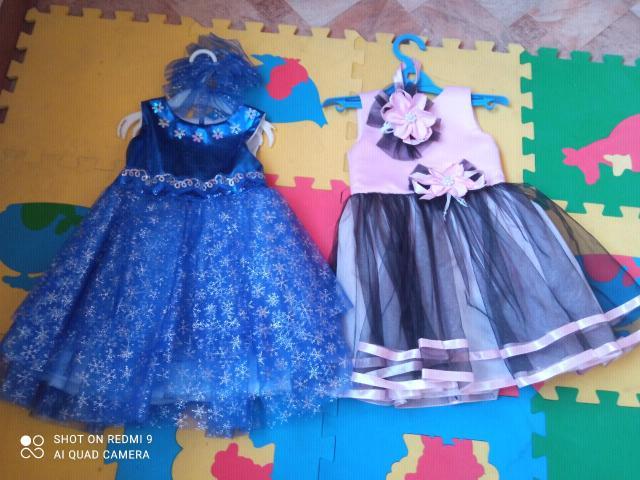 Платье снежинка индивид пошив, одета один раз, розовое тоже в отл сост, размер 2-3 года