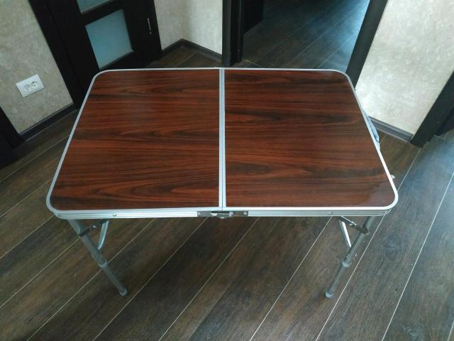 Продаю стол-книжка для кемпинга. Без стульев. Габариты: 90х60х70