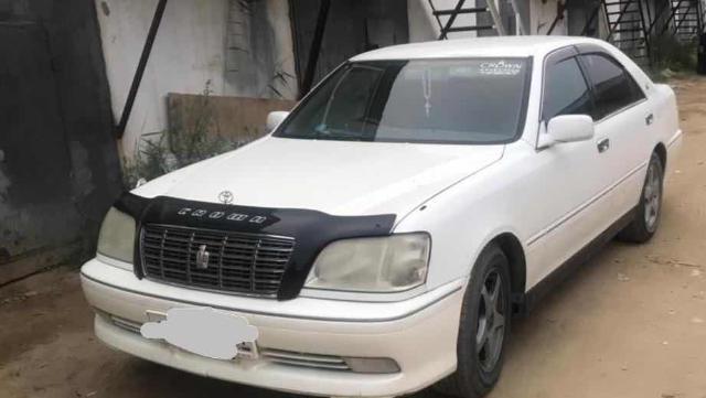 Toyota Crown 2000