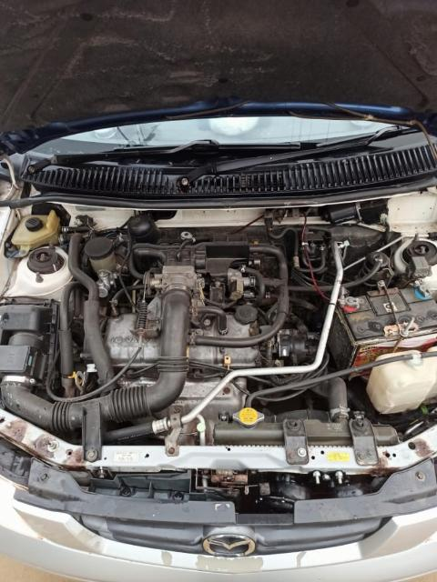 Mazda Demio 2001