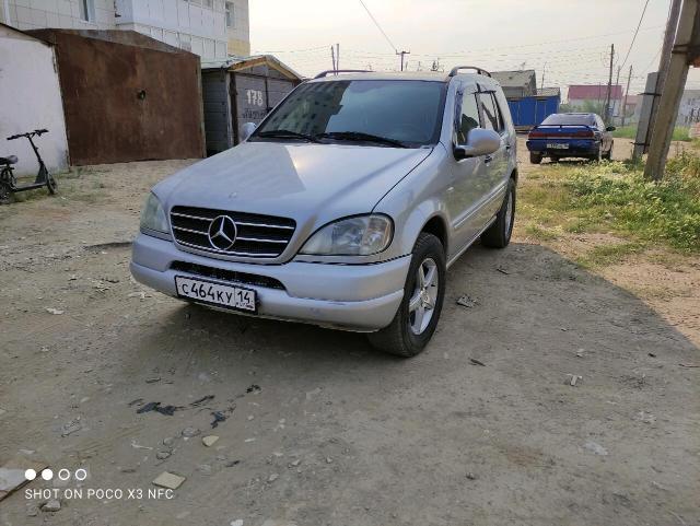 Mercedes-Benz M-Class 2001
