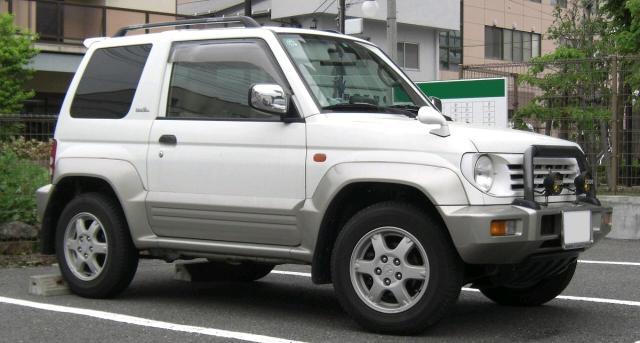 Mitsubishi Pajero Junior 1998