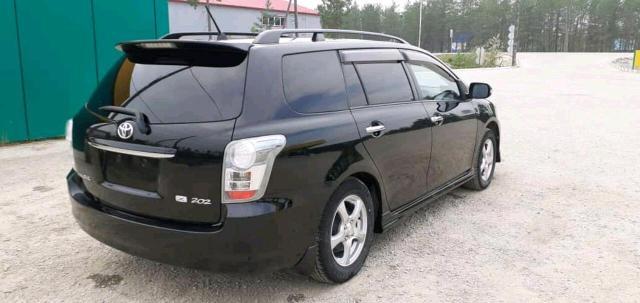 Toyota Corolla Fielder 2010