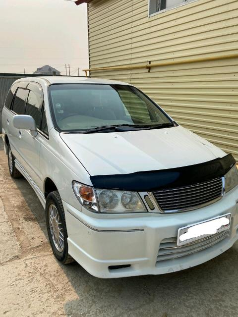 Nissan Presage 1999