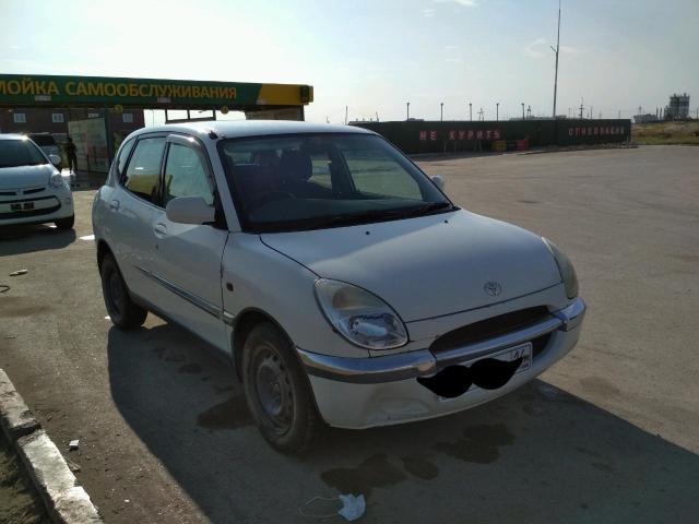 Toyota Duet 1999