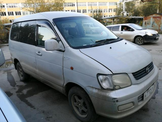 Toyota Lite Ace Noah 1999