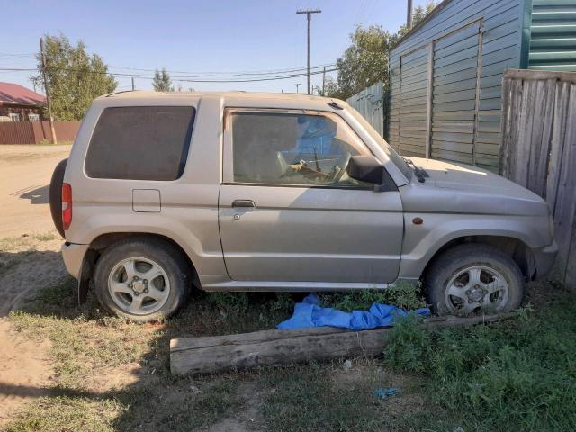 Mitsubishi Pajero Mini 2000