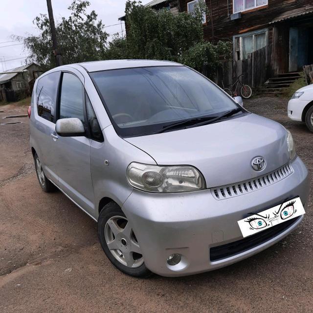 Toyota Porte 2004
