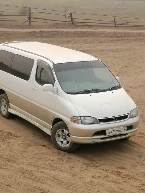 Toyota Granvia 1999