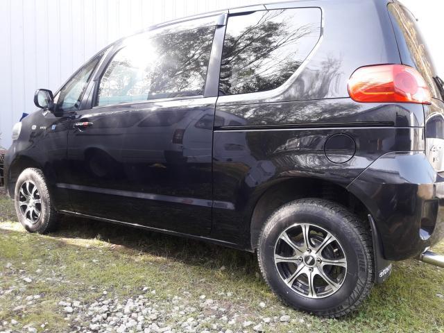 Toyota Porte 2006