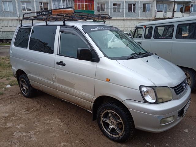 Toyota Lite Ace 2000