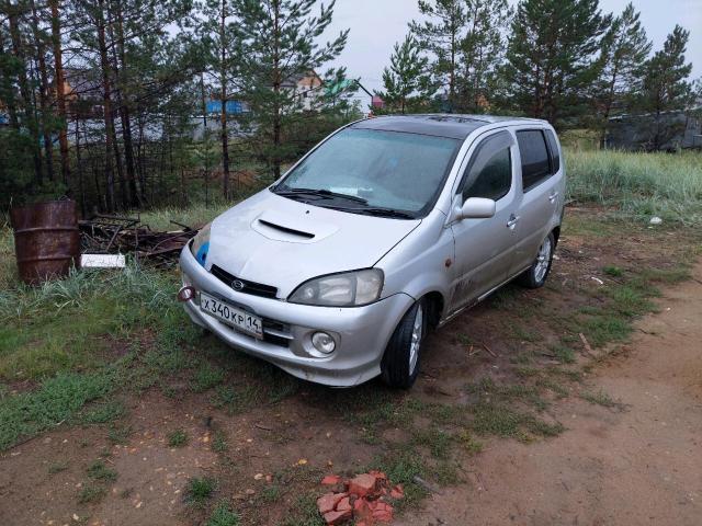 Daihatsu YRV 0