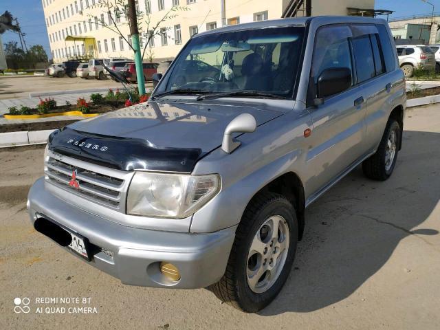 Mitsubishi Pajero iO 1999