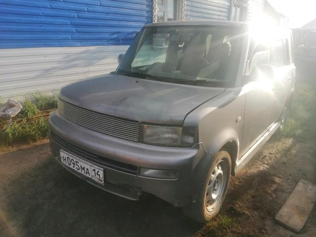 Toyota bB 2000