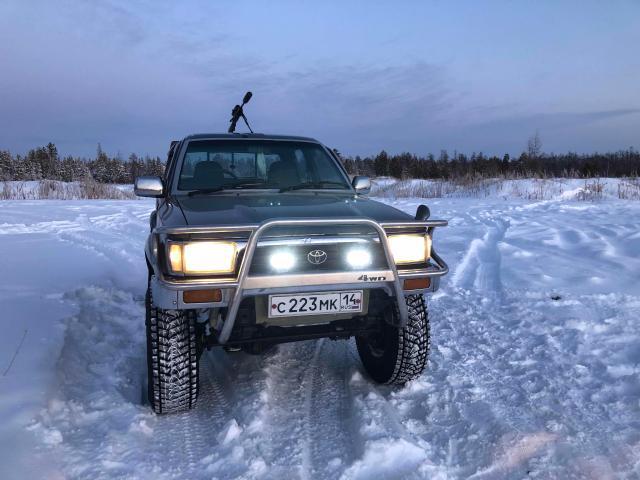 Toyota Hilux Pick Up 1990