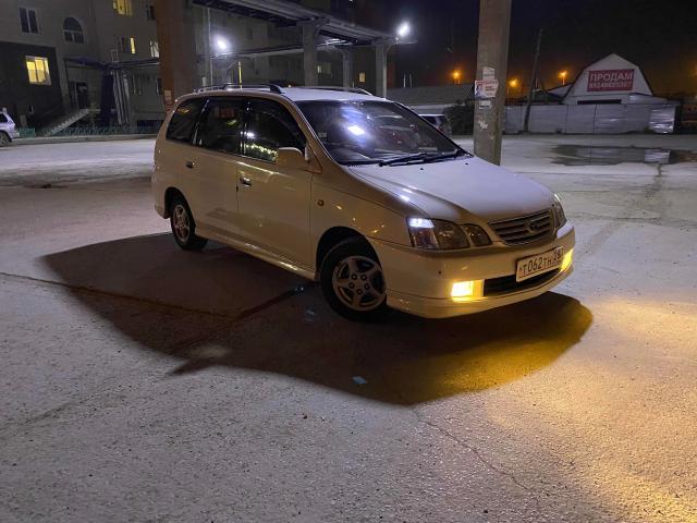 Toyota Gaia 1998