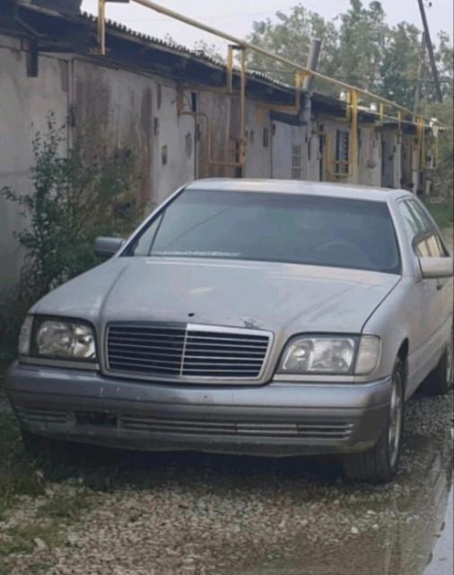 Mercedes-Benz S-Class 1996