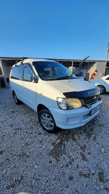 Toyota Lite Ace Noah 2000