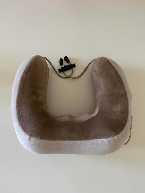 Продаю массажную ортопедическую подушку yamaguchi travel, использовался пару раз. Идеален для путешествий. Цена 2500, торг.