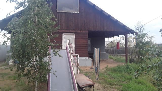 срочно продаю деревянный дом 2010г.п.газ. район кадетского.участок высокий сухой 11сот. ижс. баня .до остановки 5мин. хороший торг.