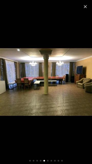 Сдаю 3х этажный коттедж посуточно и по часам,есть баня на дровах,гараж,бильярд,караоке,мангал и т.п