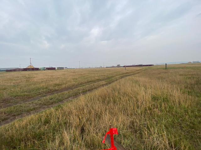 """Вышел на продажу земельный участок ИЖС Старый Покровский тракт 11 соток! ПОДХОДИТ под ДАЛЬНЕВОСТОЧНОЙ ипотеке 1%! Правая сторона, незатапливаемая зона, ровный, сухой - Кадастровый номер 14:35:112003:11753 - Разрешение на строительство получено! - Свет рядом - газ в перспективе в 2022-2023 года по проекту -  огромный плюс хорошие подьездные пути! недалеко от основной дороги, в 5 минутах езды от """"Три Лимона""""."""