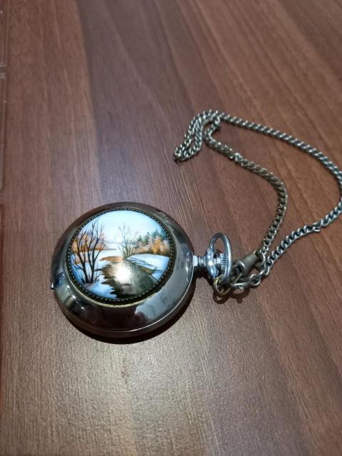 """Часы карманные """"Молния""""механизм,верх эмаль,цена 5000 руб"""