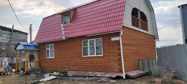 Срочно! Продаю дом, 129 кв.м, участок 6 соток, газ, септик 8 куб, 2010 года постройки. Вода привозная, ёмкость есть. От центра 10 мин, рядом школа 5 мин , садик.