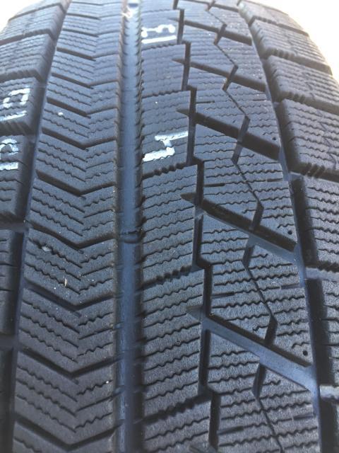 Продаю пару контрактной японской резины 215/65/16 Bridgestone VRX, остаток более 90%, резина выкуплена с аукционов в Японии, без грыж порезов и латок, без пробега по РФ, состояние отличное! Мы расположены по адресу Кальвица 14/г, бокс #2, работаем круглосуточно! ЗАРАНЕЕ ЗВОНИТЕ