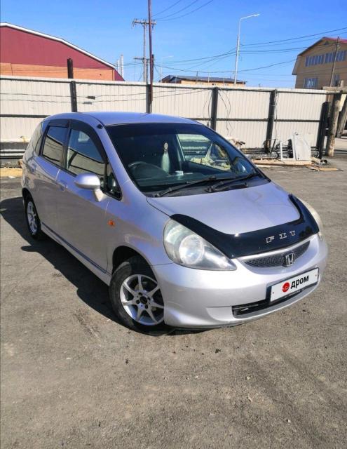 Срочно продаю, Хонда Фит 2005 г.в передний привод, ОТС, серого цвета, сигналка, реальному покупателю хороший торг❗❗❗ 89644155583 ватсап