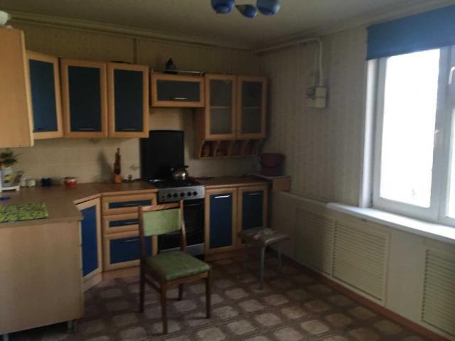 Продаём брусовой дом 130 кв, участок 32 сотки. На участке есть баня 4х4. Возможен торг