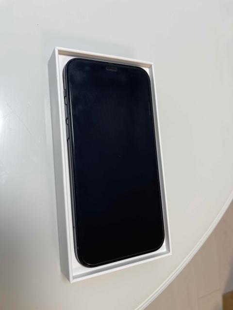 В хорошем состоянии, чехол, адаптер, установлено стекло, на 64 гб, батарея 100, на гарантии